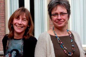 Marjolein van den Brink (l) en Jet Tigchelaar