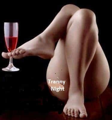 Lesbian verleidt Tranny Sex Videos jongeren