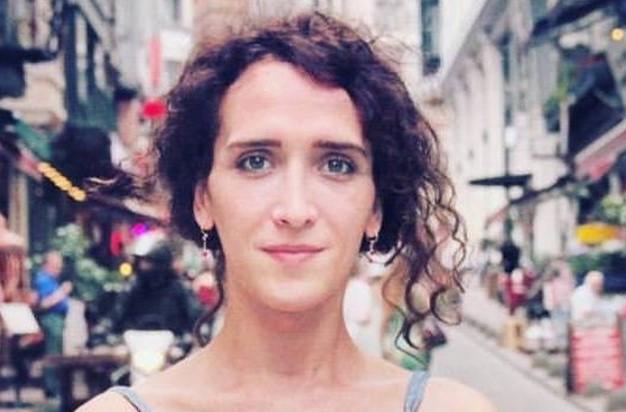 Kıvılcım Arat Turkse transactivist gearresteerd op de luchthaven van Istanboel